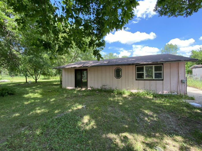 Parcel # 834602401079 – Address 22789 Dogwood Loop. Lot and Home (864 SF) built in 1971, 1 full bath, Propane tank is a rental. Legal – RESIDENCIAL 01-83-46 & 02-83-46 LOT 64 OF LOT 1 BLUE HAVEN; ABSTRACT TO GOVERN. 0.151 ACRES. Selling as is.